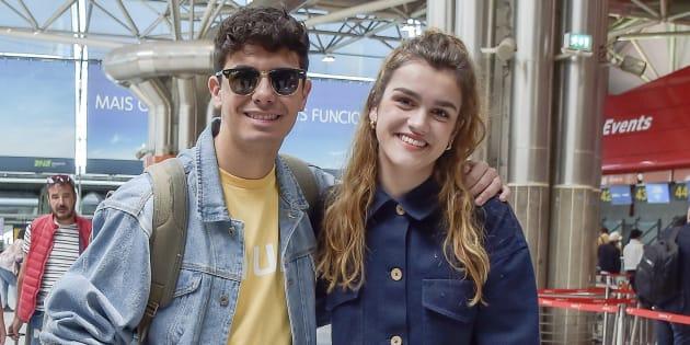 Alfred García y Amaia Romero, en el aeropuerto de Lisboa el 13 de mayo de 2018.