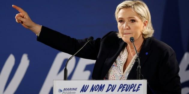 Marine Le Pen en meeting à Arcis-sur-Aube, près de Troyes, le 11 avril.