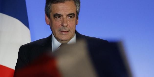 """Qu'est-il arrivé à François Fillon pour qu'il promette des postes de ministres à la droite haineuse et homophobe de """"Sens Commun""""?"""