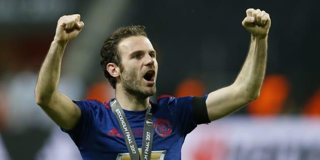 """Juan Mata veut """"changer le monde"""" en reversant 1% des revenus du foot à des œuvres de charité"""