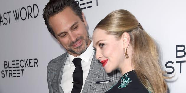 """Amanda Seyfried et Thomas Sadoski se sont rencontrés dans la pièce """"The way we get by"""" début 2016."""
