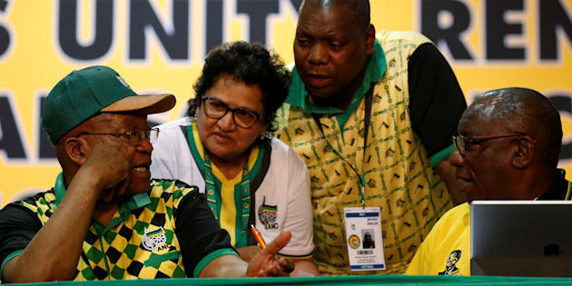 President Jacob Zuma (L) gestures as he speaks to Jessie Duarte, Dr Zweli Mkhize and Deputy President Cyril Ramaphosa (R) during the 54th National Conference of the ruling African National Congress (ANC) at the Nasrec Expo Centre in Johannesburg, South Africa December 17, 2017.