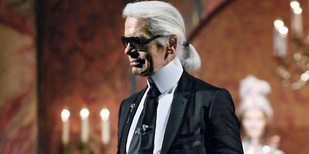 Karl Lagerfeld a fait de son look sa marque de fabrique.