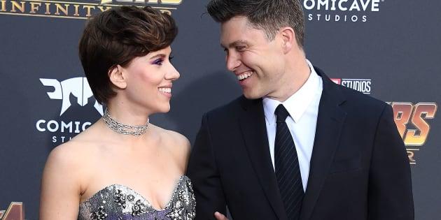 Avengers: Infinity War: Scarlett Johansson en brune au bras de son compagnon Colin Jost sur le tapis rouge à Hollywood