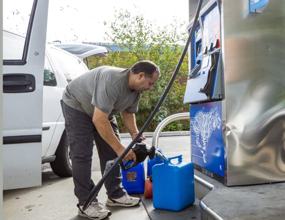 Fuel prices rise as Hurricane Florence nears