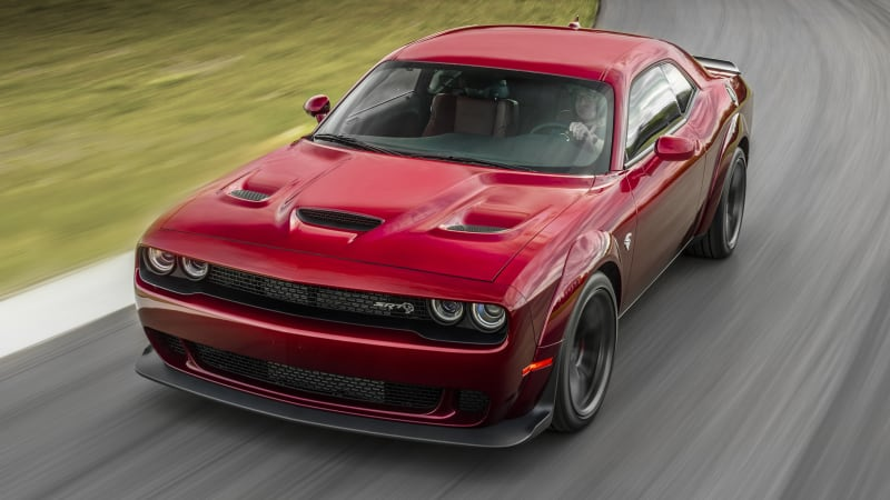 Dodge Introduces Challenger SRT Hellcat Widebody