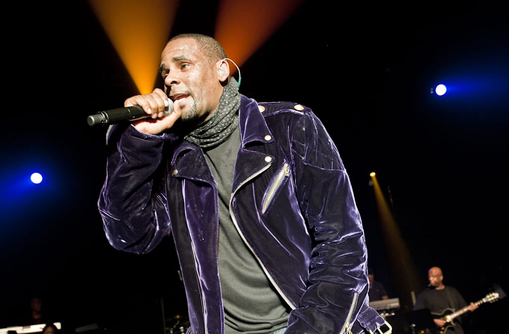 R  Kelly responds to Spotify's playlist ban on his music