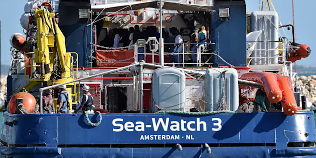 Sea Watch: non separare famiglie a bordo