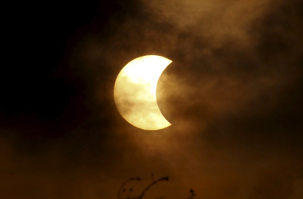 Total Eclipse Of The Heart Is A Sensation Again 34 Years Later Thanks To Solar Event
