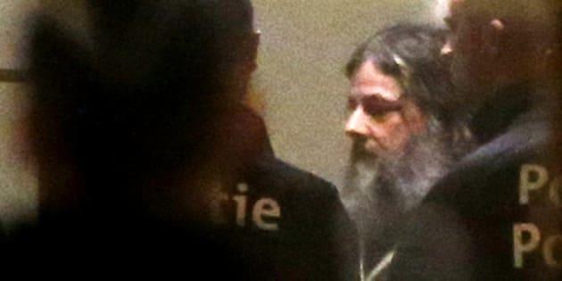 Marc Dutroux a une raison très intéressée de vouloir discuter avec les familles des victimes.