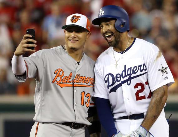 MLB All-Stars take to social media during game