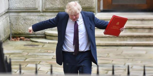 El secretario de Asuntos Exteriores del Reino Unido, Boris Johnson, llegando a la calle Downing para asistir a una reunión del gabinete, en Londres, el pasado mes de marzo.