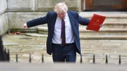 Gobierno británico a punto de colapsar a unos días de la visita de