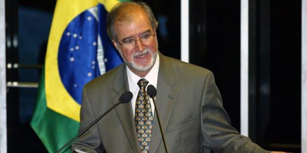 Eduardo Azeredo é condenado no Mensalão Tucano a 20 anos e 1 mês de prisão.