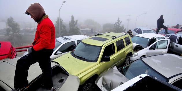 En enero de 2018, 30 autos se impactaron en una megacarambola en Saltillo, Coahuila.