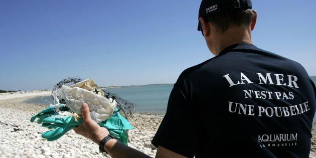 M. de Rugy, la France doit être à la pointe de la lutte contre la pollution des mers par le plastique.