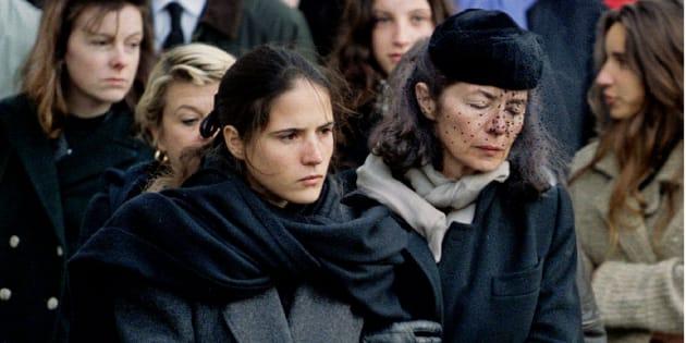 Mazarine et Anne Pingeot aux funérailles de François Mitterrand à Jarnac le 11 janvier 1996