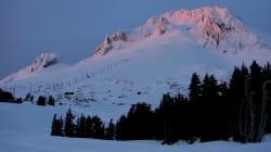 Un alpiniste tué dans une chute spectaculaire au Mont Hood en