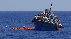 Nel Mediterraneo scarseggiano le navi per i soccorsi, si bussa di nuovo alle Ong (di U. De