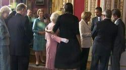 A 10 anni di distanza Michelle Obama svela il motivo dietro il suo abbraccio con la