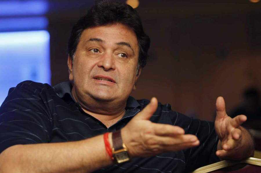 """Bollywood actor Rishi Kapoor speaks during a news conference for his forthcoming movie """"Chintu Ji"""" in Mumbai August 26, 2009. Picture taken August 26, 2009. REUTERS/Manav Manglani (INDIA ENTERTAINMENT)"""