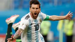 絶体絶命のアルゼンチンが決勝T進出。マラドーナ興奮しすぎて搬送(動画)《ワールドカップ》