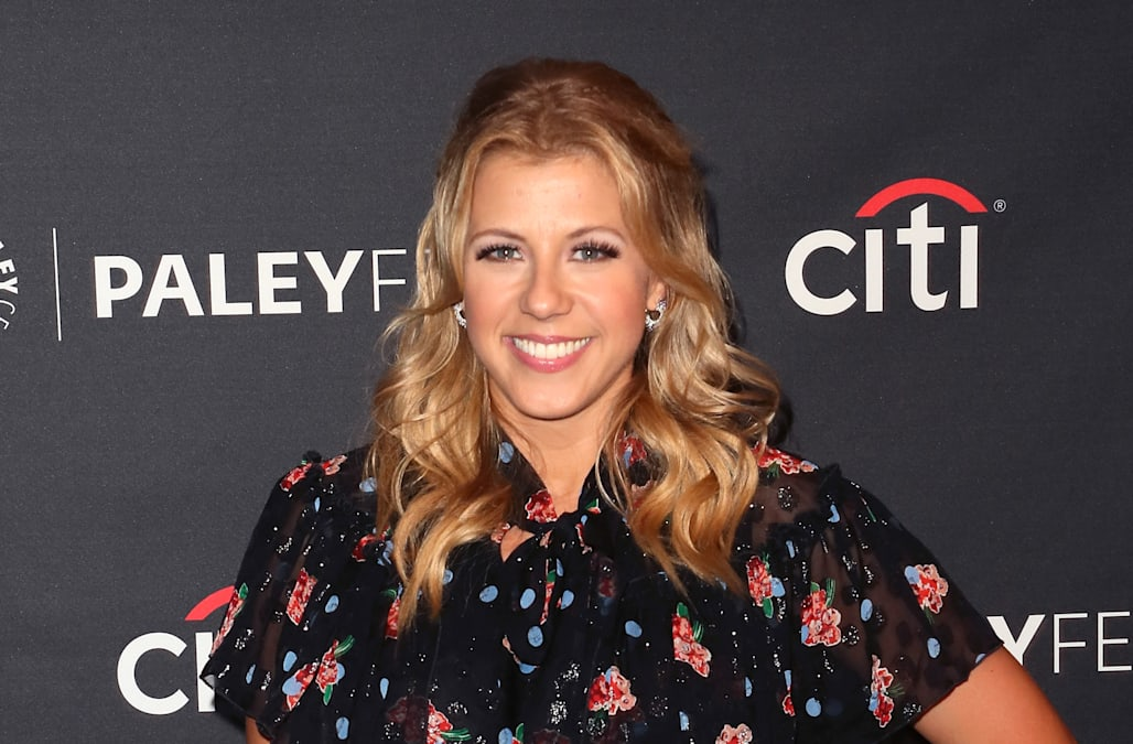 Fuller House's Jodie Sweetin 'switched up' that bisexual line in