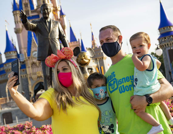 Soaring Fla. virus cases cast shadow over tourism