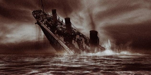 Sinking passenger steamliner (Digital)