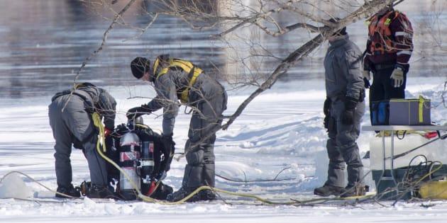 Des plongeurs de la police ont fouillé la rivières des Prairies au cours des deux derniers jours.