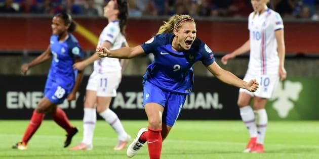 Eugénie Le Sommer célèbre son but contre l'Islande à l'Euro de football, le 18 juillet aux Pays-Bas.