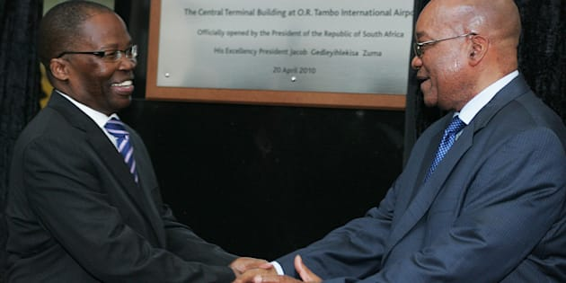 South African Minister of Transport Sbu Ndebele (L) and South African President Jacob Zuma (R) shake hands after unveiling the Central terminal building on April 20, 2010 at O.R. Tambo international airport in Johannesburg. South Africa will host the 19th Football World Cup from June 11, to July 11, 2010. AFP PHOTO / PABALLO THEKISO (Photo credit should read PABALLO THEKISO/AFP/Getty Images)