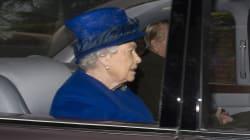 Première sortie pour la reine d'Angleterre après son