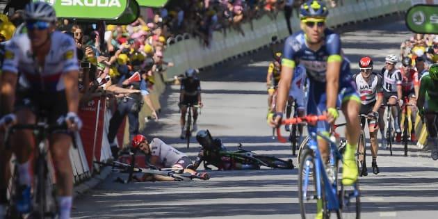 Chute au sprint sur le Tour à Vittel le 4 juillet 2017.