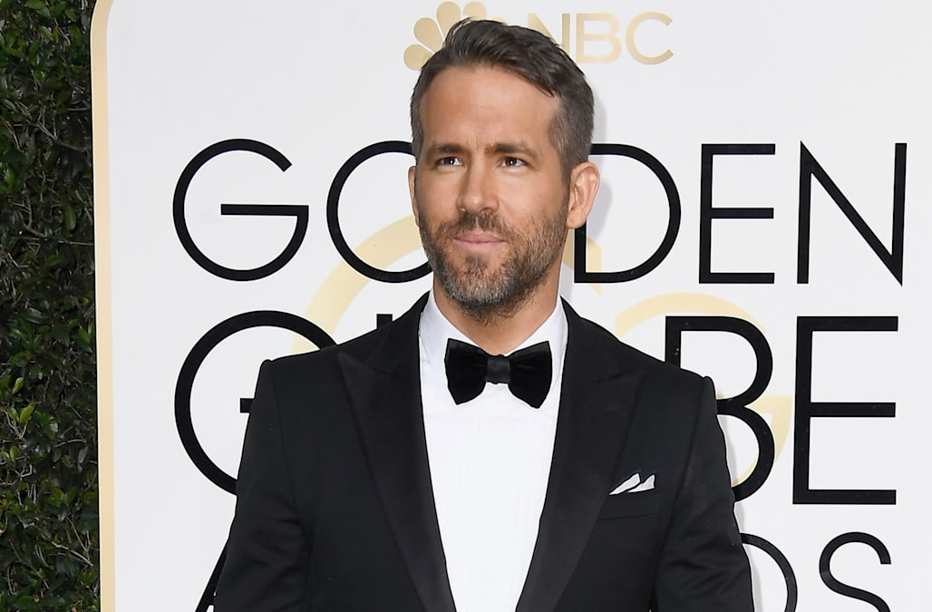 Exceptional Ryan Reynolds Kisses Andrew Garfield After Losing To Ryan Gosling At The  2017 Golden Globe Awards