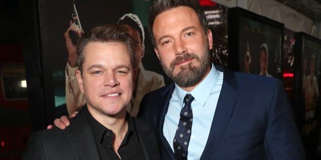 """Ben Affleck et Matt Damon dans un film inspiré de cette arnaque autour du jeu à gratter Monopoly de McDonald's   (Photo: Matt Damon et Ben Affleck assistent à l'avant-première de """"Live By Night"""" de Warner Bros. Pictures, janvier 2017, Californie)"""