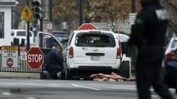 Une voiture percute une barrière de sécurité près de la