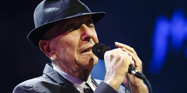 Canadian singer-songwriter Leonard Cohen performs during the first night of the 47th Montreux Jazz Festival July 4, 2013.  REUTERS/Valentin Flauraud (SWITZERLAND - Tags: ENTERTAINMENT)