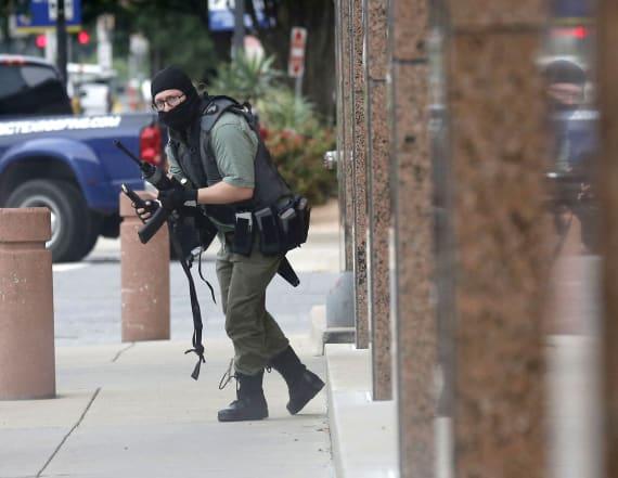 Masked gunman killed in Dallas courthouse shootout