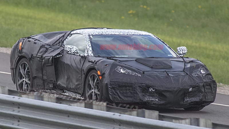 Mid-engine Corvette spied with C5-style nose, dual rear calipers