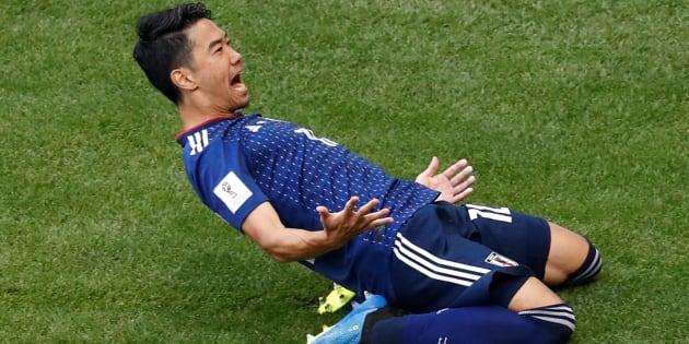 Soccer Football - World Cup - Group H - Colombia vs Japan - Mordovia Arena, Saransk, Russia - June 19, 2018   Japan's Shinji Kagawa celebrates scoring their first goal     REUTERS/Damir Sagolj