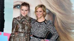 La fille de Reese Witherspoon rayonne en robe de