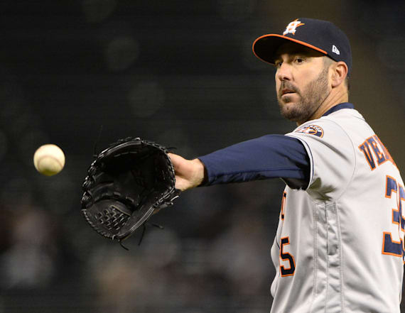 Justin Verlander claps back at fan taunting him