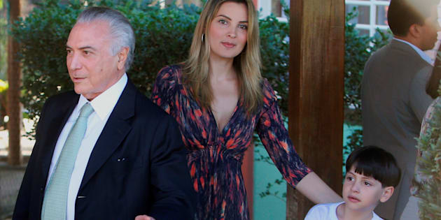 Presidente Michel Temer, com primeira-dama Marcela Temer e o filho do casal, Michel