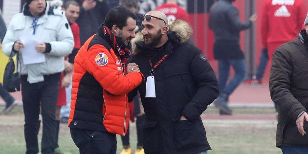 Salvini sulla stretta di mano con l
