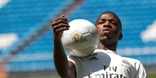 Vinícius Júnior tem encantado a torcida do Real Madrid e é nome certo na renovação do ataque da Seleção Brasileira.
