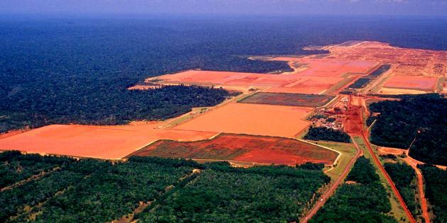 Imagem mostra uma grande área desmatada no coração do Amazonas.