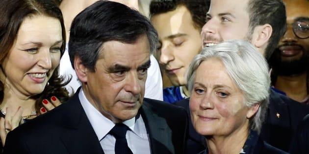 François Fillon et sa femme Penelope lors du meeting de la Villette dimanche 29 janvier.