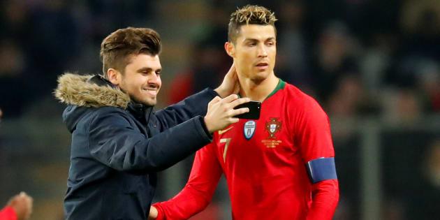 Portugal/Pays-Bas interrompu pour un selfie et un bisou à Cristiano Ronaldo