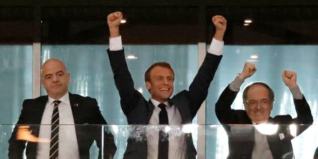 Présent en Russie pour assister à la victoire de la France en demi-finale de la Coupe du Monde, Emmanuel Macron n'a